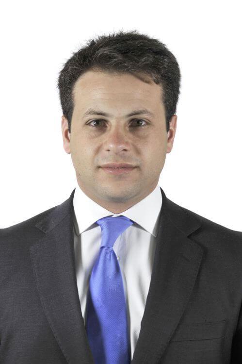 Víctor Andrés Riadi I.